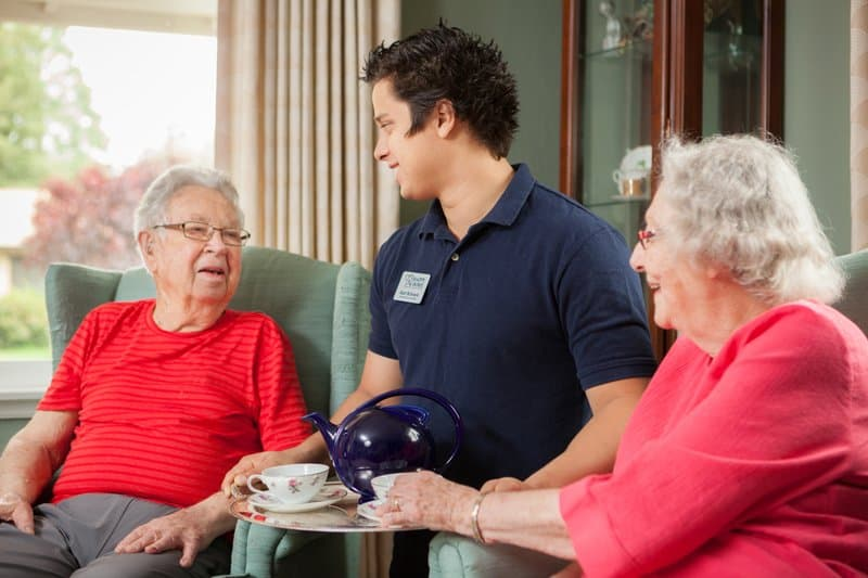 Hiring An In-home Agency Vs. Private Caregiver